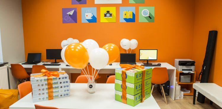 otwarcie-pracowni-orange-w-kozerkach-zdjecia-mediateka (10)