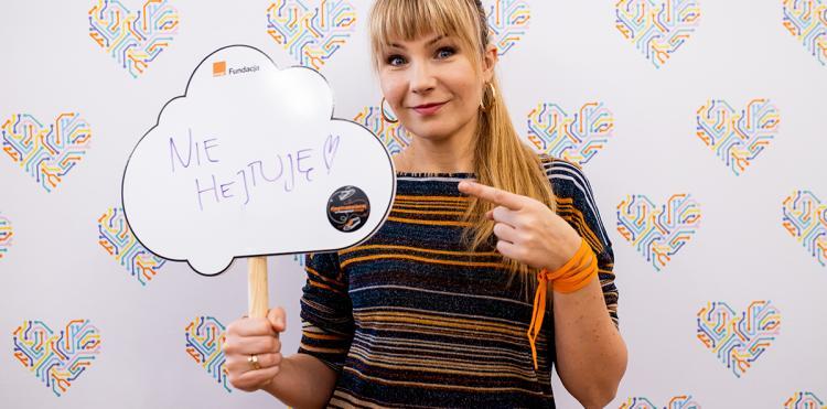 Ania Guzik w #jestnaswiecej, Pracownia Orange w Jurczycach